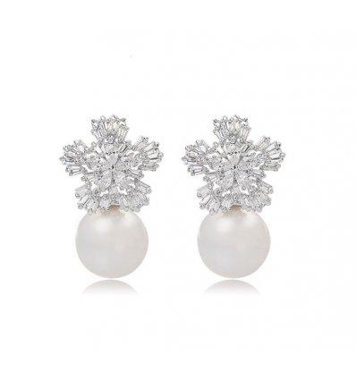 Cercei decorati cu perla si cristale Swarovski Elements Perle de la Mer