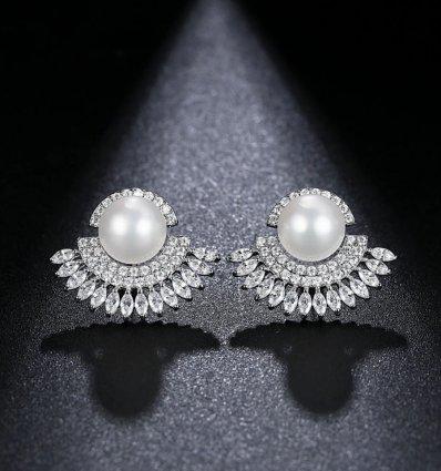 Cercei cu cristale Swarovski Elements si perle Anne