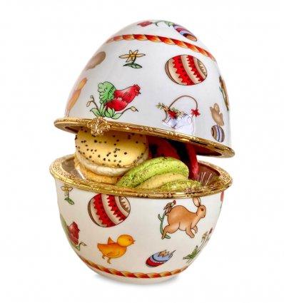 Casetuta in forma de ou de Paste, din portelan, cu detalii placate cu aur si Set 4 macarons artizanal