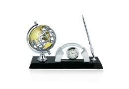 """Around the world""- Set  de birou cu pix, ceas, suport de carti de vizita  si glob pamantesc"