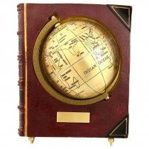 Glob pamantesc in carte cu placuta pentru personalizare