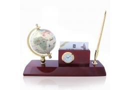 Set  de birou cu pix, ceas, suport de carti de vizita  si glob pamantesc