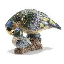 Papagal cu pui din ceramica portelanata, de colectie - editie limitata