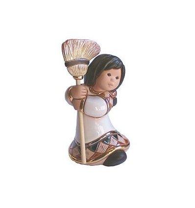 Frumusete zdrobitoare - figurina din ceramica