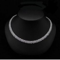 Statement Crystal Diamonds Necklace